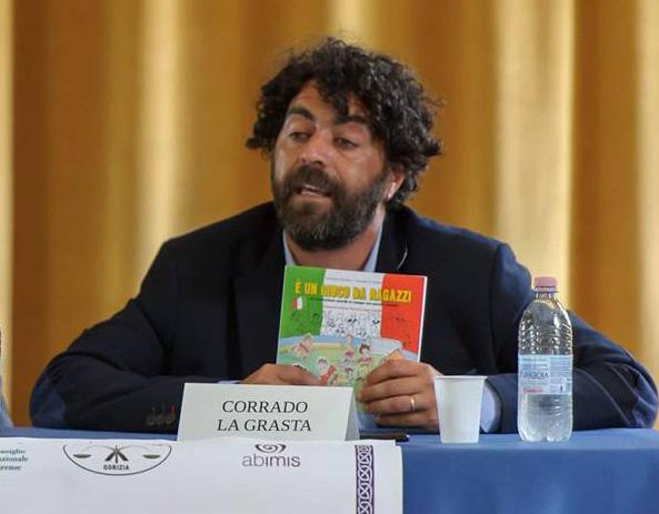 Corrado la Grasta, autore di È un gioco da ragazzi