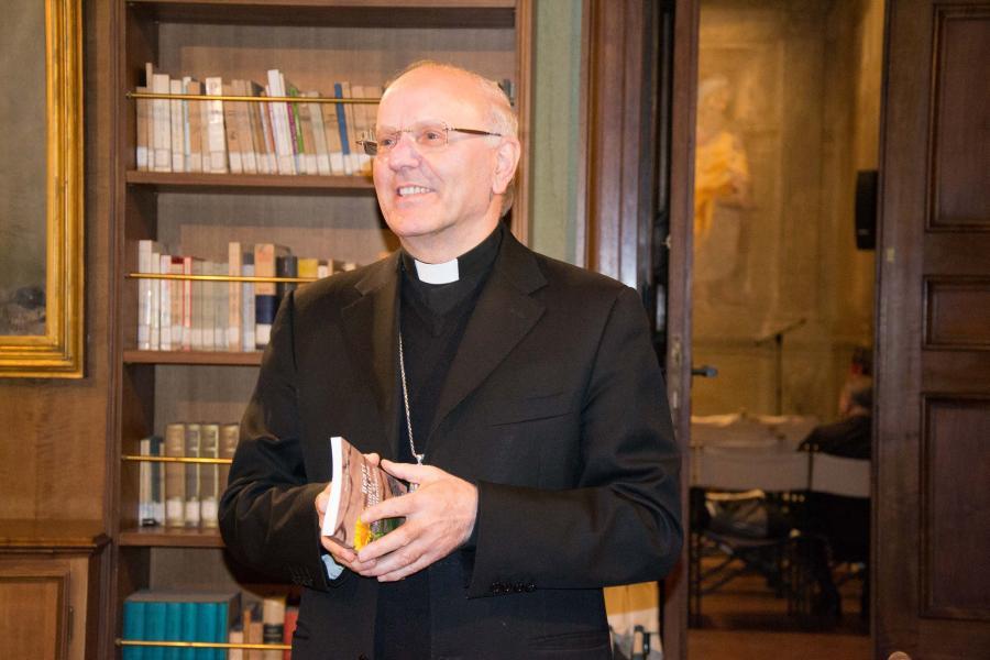 Mons. Galantino intervistato da TV2000