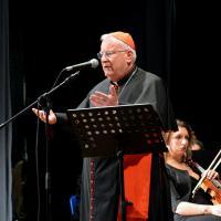 Il Cardinale Gualtiero Bassetti pronuncia il suo saluto